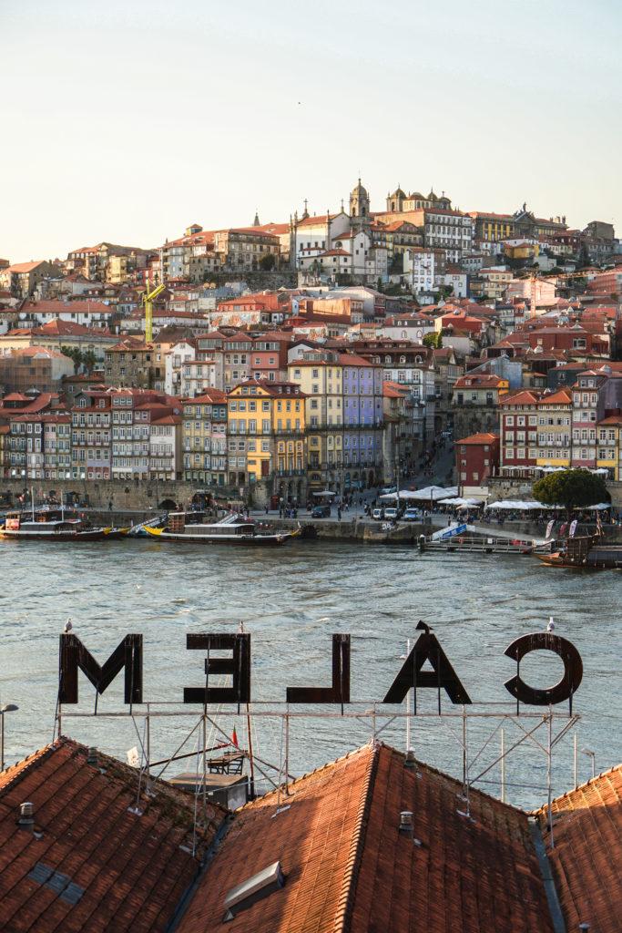 Porto CALEM Blick auf den Duoro und Ribeira 5 Instagram Hotspots in Porto