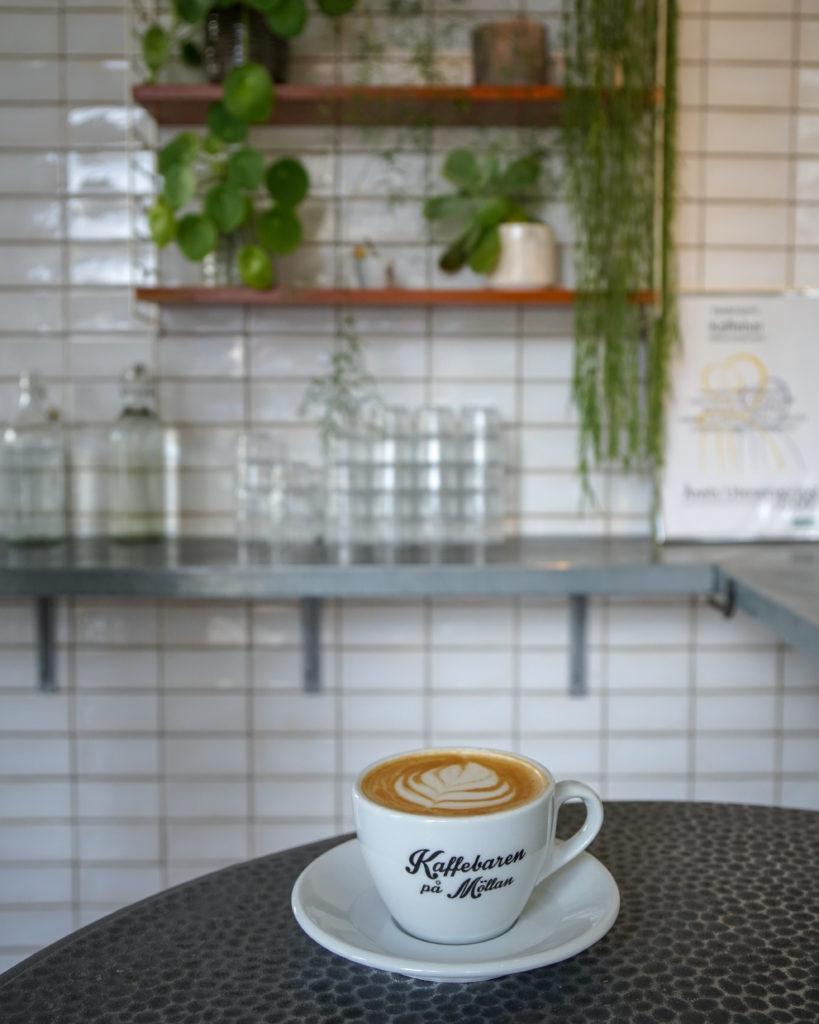 Nachhaltige Städtereise nach Malmö pa Möllan Café in Malmö